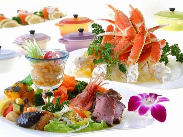◆夕食バイキング◆和洋中約100種をご用意。四季折々の食材を活かした美食をお楽しみください。