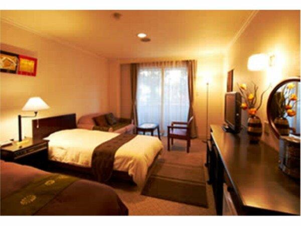 オリエンタルな雰囲気、シックで落ち着きのあるお部屋です。