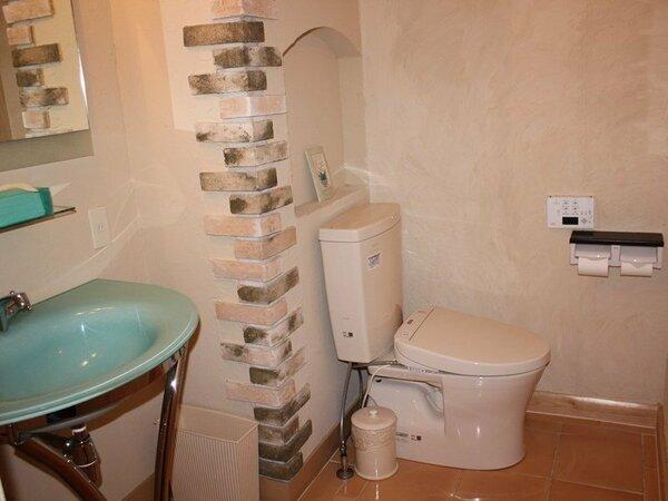 ウォシュレットトイレのあるパウダールーム