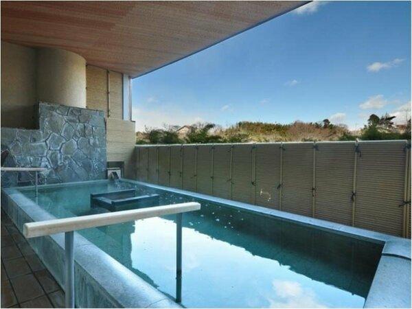 楽山の湯露天風呂