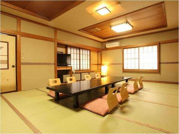 【和室12畳~16畳・トイレ付】8名様まで宿泊可能な広々した客室