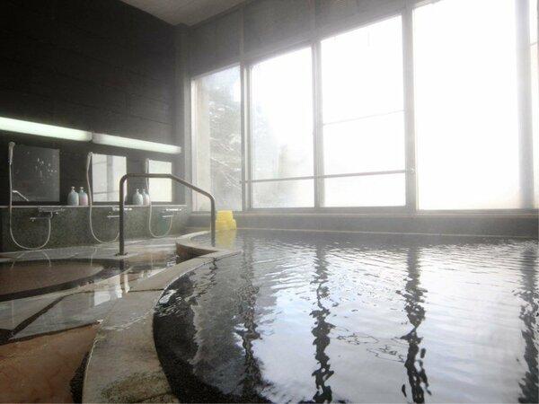 【温泉】女性用内湯。内湯は24時間いつでも入れます。