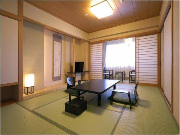 優しい間接照明のリニューアル客室