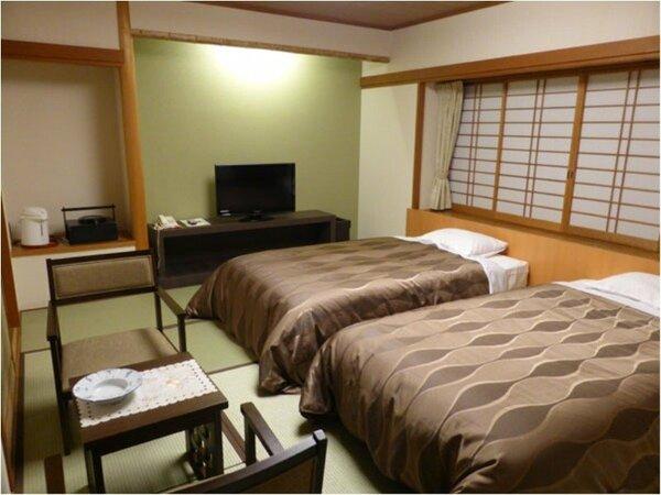 ツインベッド付き和室10畳