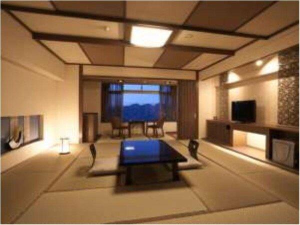 15畳+8畳(間仕切りはございません)の、モダン和室へとリニューアルされた広いお部屋になります。