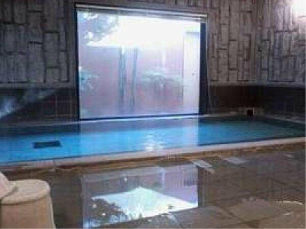 2F:大浴場は平日男性様利用のみ、土日祝日は男女で入替制でございます。
