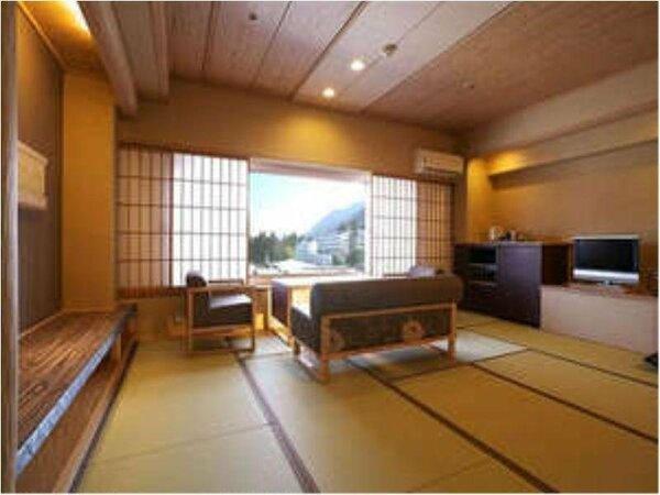 2009年リニューアルの大正モダン和室12畳の一例