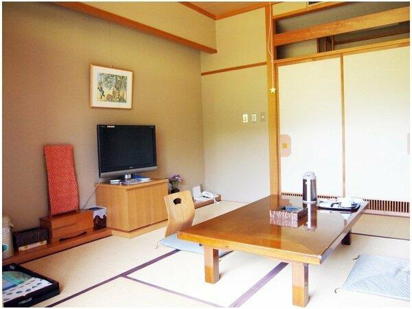 *【部屋】3名様までご利用いただける純和風のお部屋です。