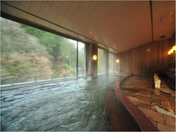 展望大浴場(女性)山々を見渡せる展望大浴場