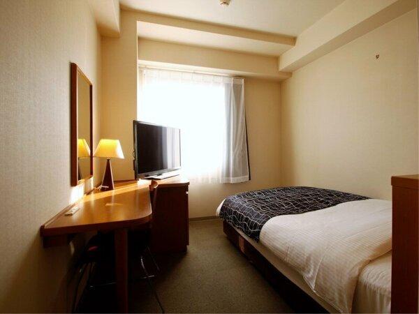 シングルルーム(広さ13平米 / ベッド幅120cm×1台)