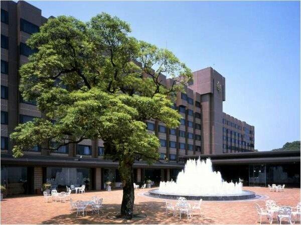 ~上空108mの贅沢~ 当ホテルは、市街地を見渡す鹿児島の中心地にある標高108mの高台にございます
