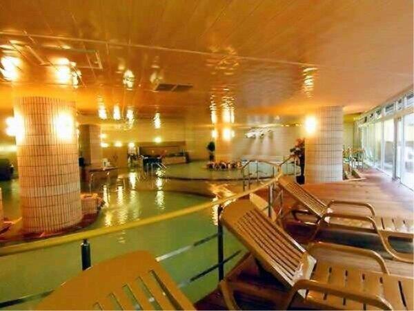 良質のにごり湯には豊富な温泉成分♪広々とした「大浴場」温泉満喫【霧島国際ホテル】
