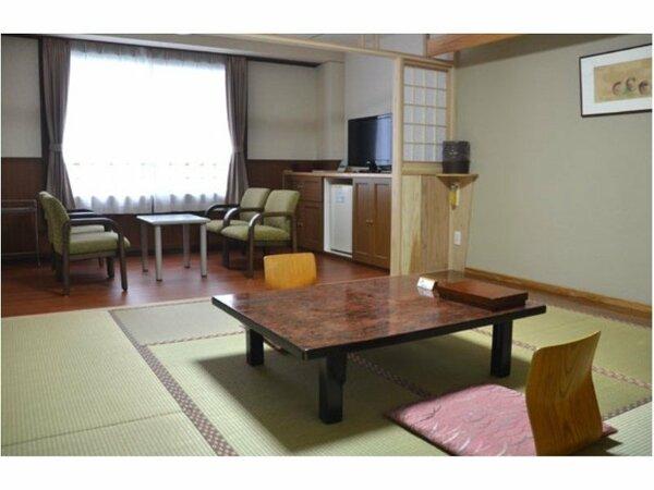 【禁煙和室8畳】 天気の良い日は遠く桜島まで見渡せます。