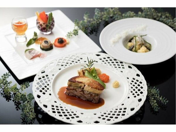 特選料理(イメージ)◎基本料理にフォアグラ・キャビア・トリュフをあしらった特別コース