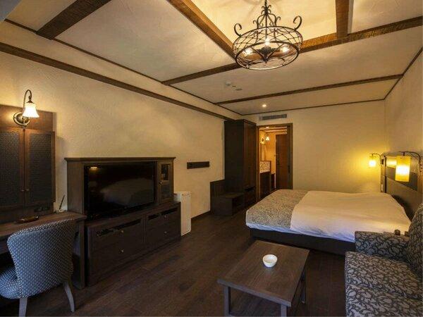 【フォレスタダブル】キングサイズのベッドを。《カップル》や《ご夫婦》での滞在にぴったり。
