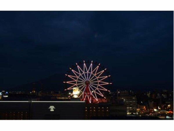 夜のアミュプラザと観覧車の風景