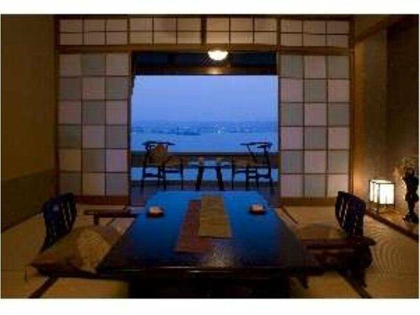 宍道湖向きの一般客室和室(イメージ)。刻々と姿を変える湖の景色を楽しんで。
