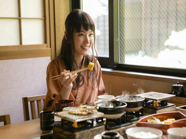 【朝食】和食御膳でのご用意。お好みの焼き加減でお魚を焼くことが出来ます♪