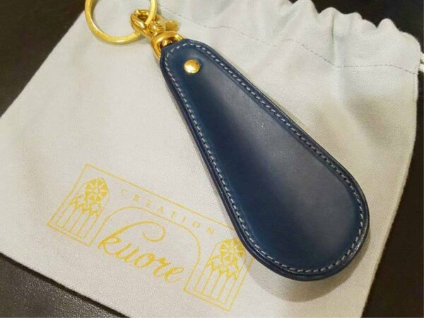 【革屋Kuore靴べら】ご希望の刻印をお入れすることができます。世界にひとつだけのプレゼントに。