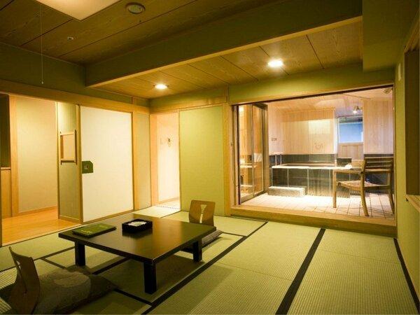 モール温泉露天風呂がついた和室タイプ。