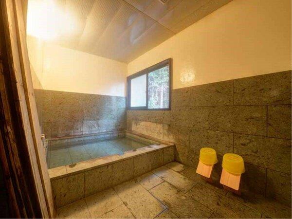 *貸切内風呂/お湯に浸かってのんびり。プライベート気分で入浴を満喫して下さい。