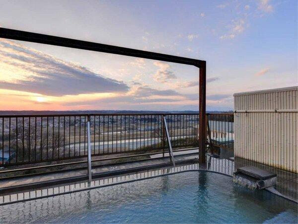 *屋上露天風呂/ホテル最上階にある展望風呂は眺望抜群