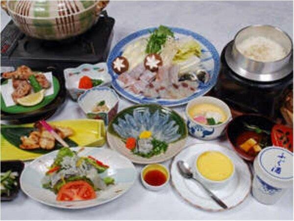 温泉とらふぐフルコース料理(一例)期間限定のお楽しみ☆豪華ふぐづくしを堪能して頂けます!