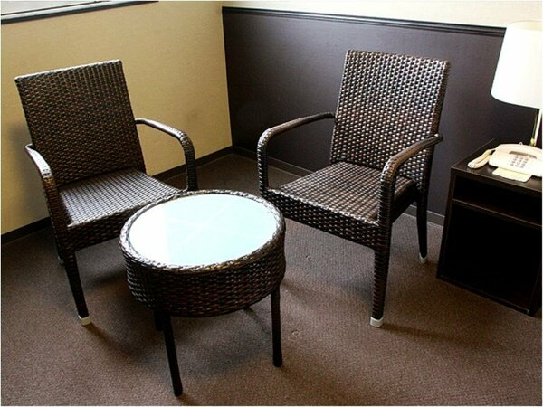 コーヒーテーブルセット■クイーンルーム、ダブルルーム設置■カップルでお寛ぎ頂くのに最適