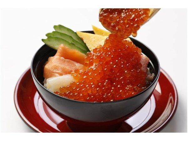 【朝食】豪快海鮮盛丼