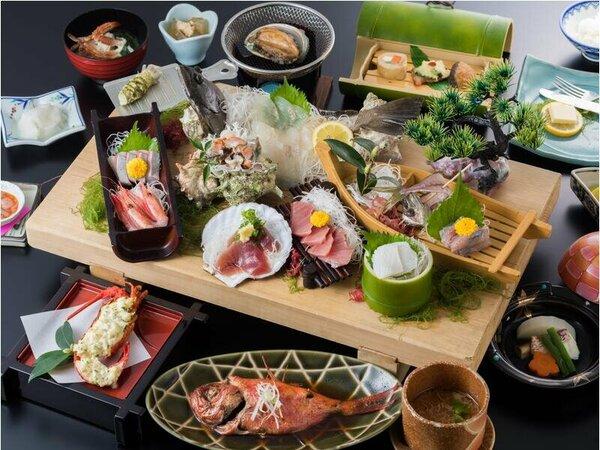 料理の一例(イメージ)鮑の踊り焼きや金目鯛の姿煮など厳選した海の幸会席※お造りは2名様分