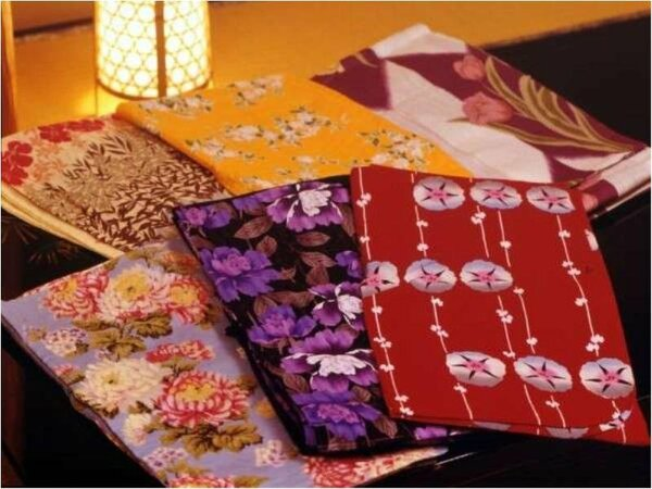 ~女性に嬉しい「色浴衣」花井幸子、コムサ デ モードなど、ブランド浴衣を1着貸し出します。~