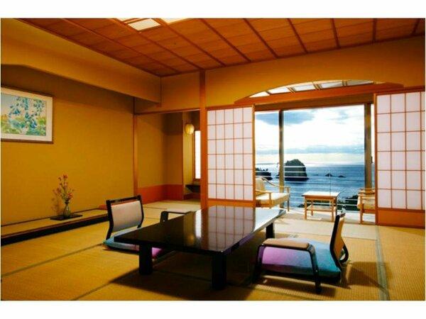 【南棟客室:一例】出書院の付いた14.5帖の和室。全室が海側のお部屋となります
