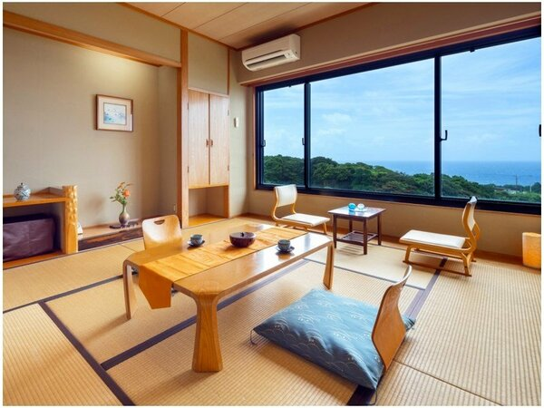 【海側コンパクトルーム和室8畳】 もちろん窓からは太平洋を望めます♪