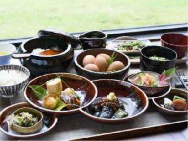 和食をベースとしたご朝食