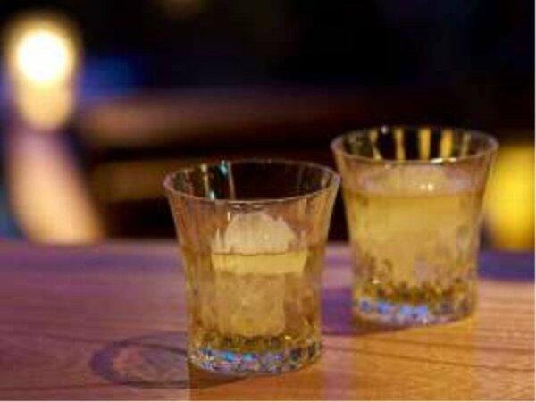 夜はゆっくりとBARにてお酒をお愉しみください