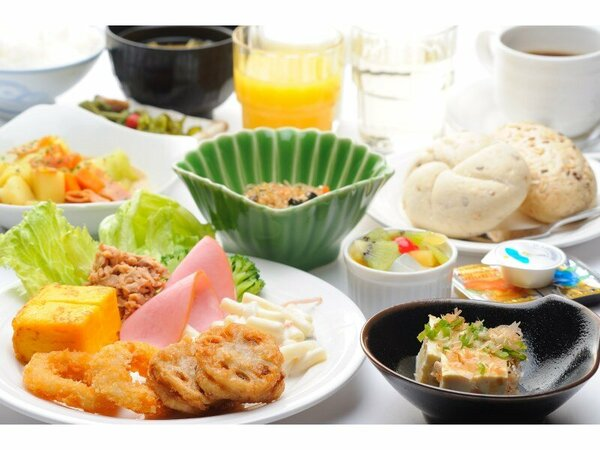 【バイキング朝食】♪ご宿泊者様無料♪さまざまな朝食のスタイルに合った温かい料理をご提供いたします