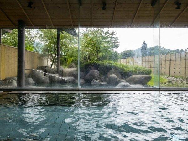 天然温泉で体も芯からポカポカ、夜もぐっすりと深い眠りに誘います。温泉でお体のデトックスを