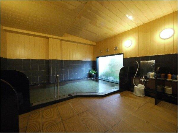 西館男性大浴場15時から翌2時まで、朝5時から10時迄ご利用いただけます。