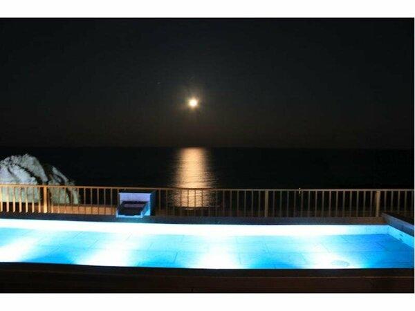 【屋上露天風呂】キラキラと輝く満月