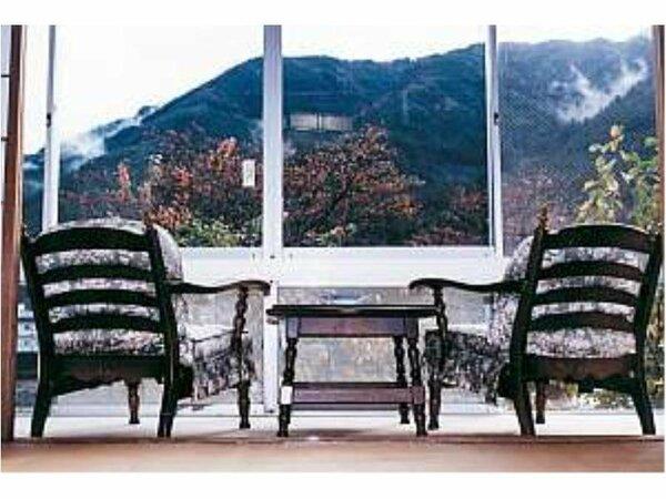 ★客室からの眺望★お部屋から飛騨の山並が楽しめます。季節ごとに異なる趣きが感じられます。