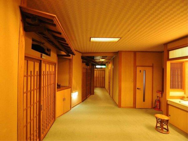 ◆落ち着いた雰囲気の館内