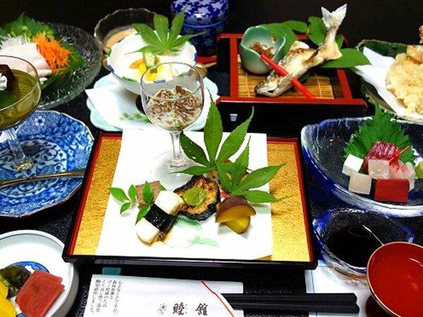 岐阜県産食材を積極使用。飛騨牛鍋も付きます