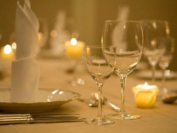【欧風レストラン「バーデンバーデン」】贅沢なディナータイムをごゆっくりとお楽しみください。