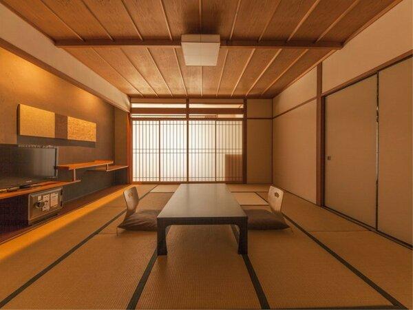 ■山側客室■ 和の風情あふれる山側スタンダート客室。家族・グループ旅行におすすめです。