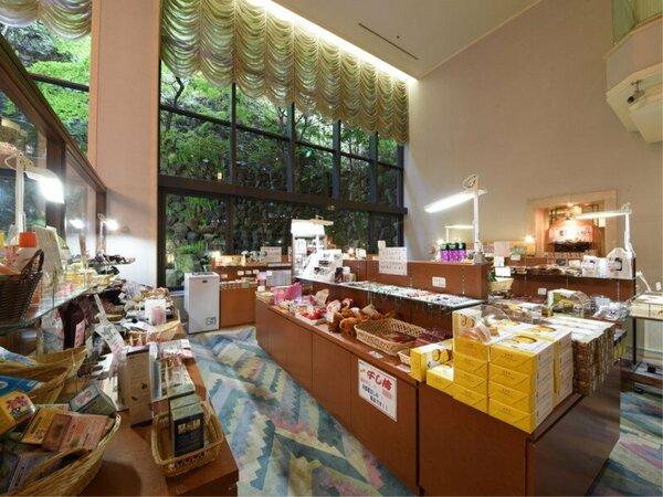*【お土産処】飛騨地方の名産品はもちろん、朝食でお出しするおかずもご用意しております