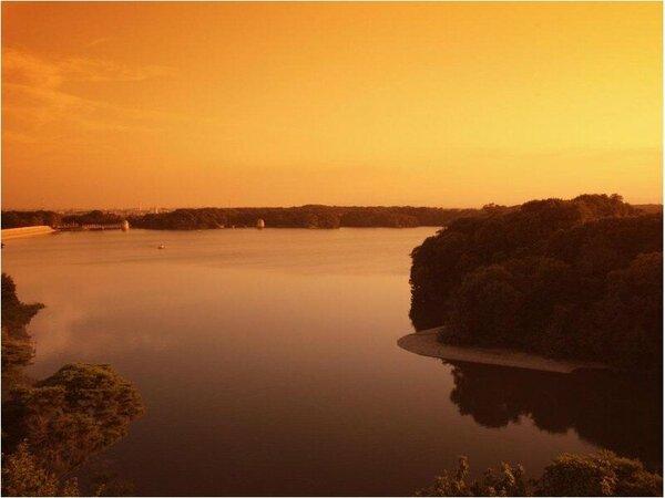 多摩湖の夕焼け