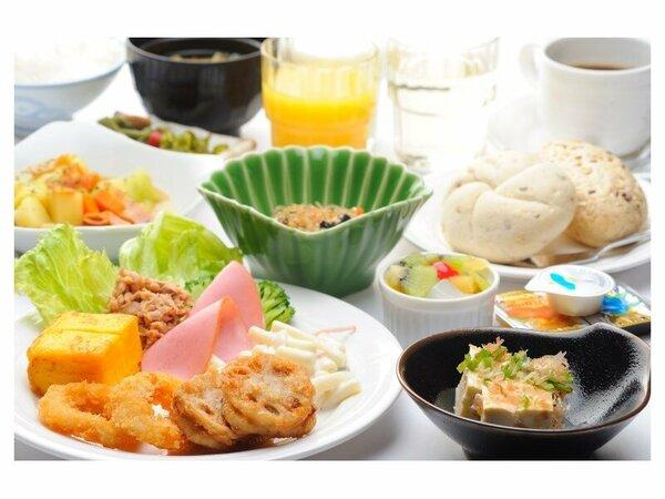 ・さまざまな朝食のスタイルに合った温かい料理を提供いたします。