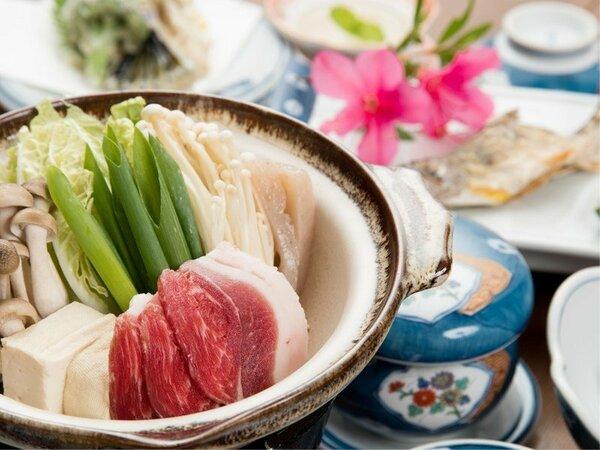 *【夕食一例】ぼたん鍋とあまごの骨酒