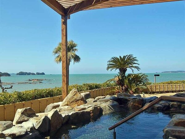 大海原が一望できる絶景露天風呂で温泉を満喫