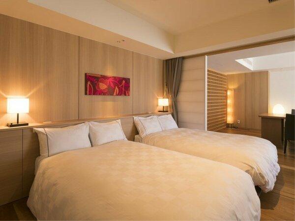 【ロイヤルフロアー・和洋室】ハリウッドツインのベッド